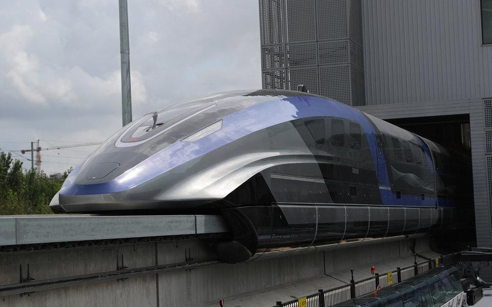 В Китае создали поезд, разгоняющийся до 600 км/ч