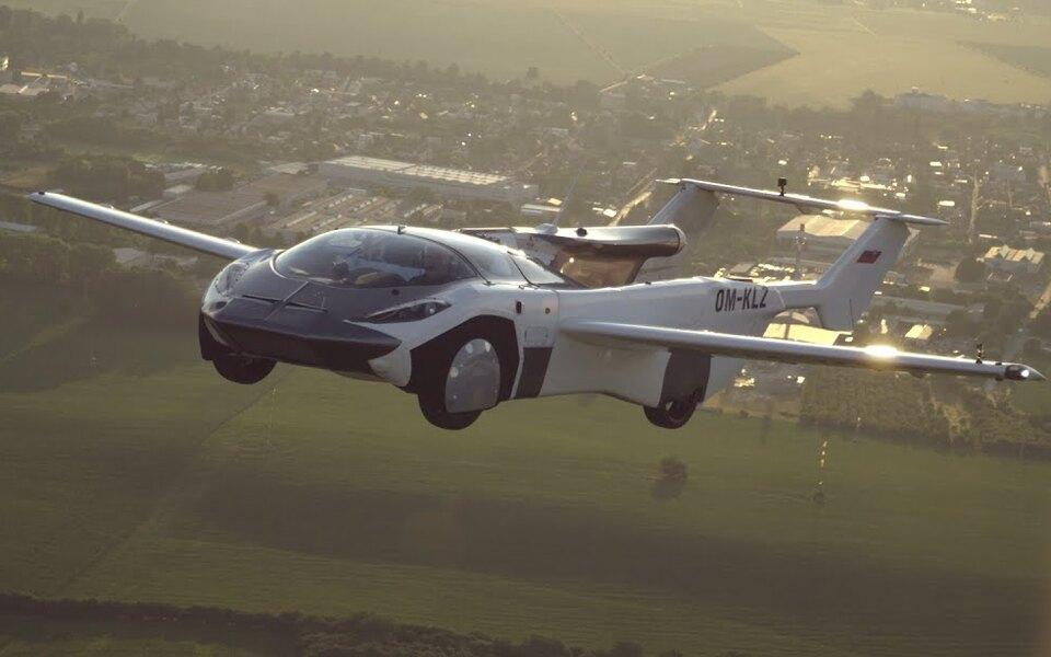 Летающая машина AirCar совершила первый междугородний полет