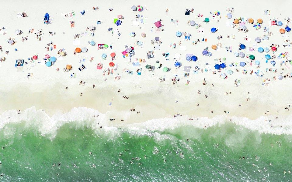 Пляж, вид сверху