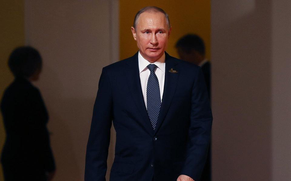 Владимир Путин выдвинул свою кандидатуру впрезиденты
