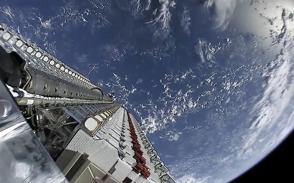 SpaceX Илона Маска отгрузила 100 тысяч терминалов дляспутникового интернета Starlink