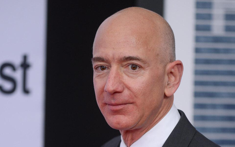 Основатель Amazon Джефф Безос покинул должность гендиректора компании