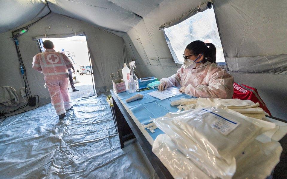 Медики: новый коронавирус может оставаться в организме до 37 дней