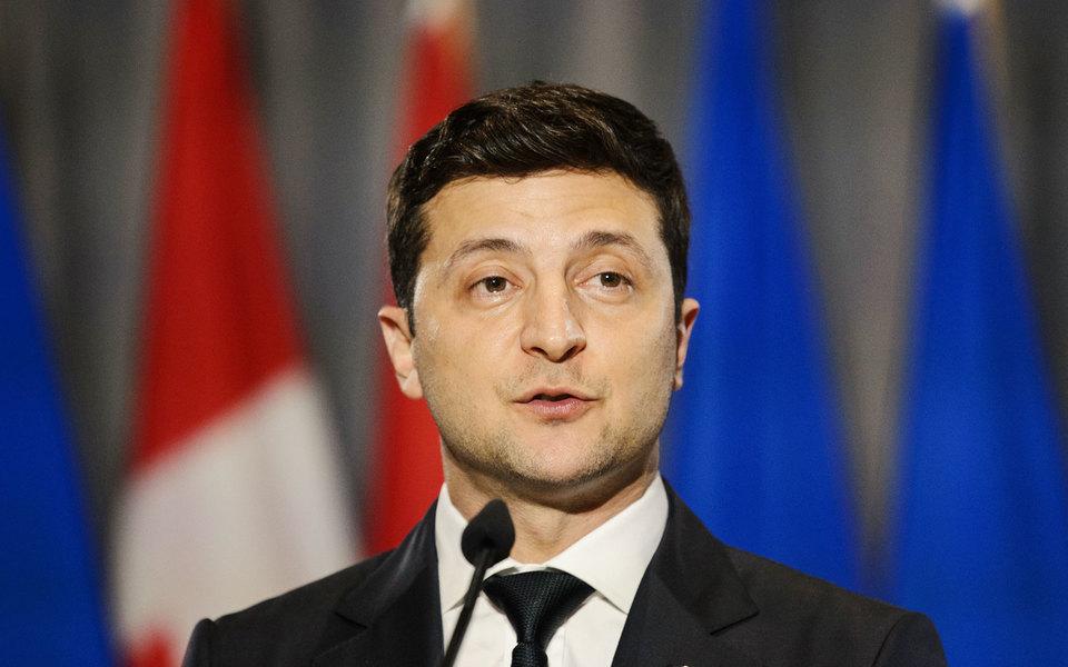 Зеленский поручил упростить выдачу гражданства Украины россиянам, которые подверглись политическим преследованиям