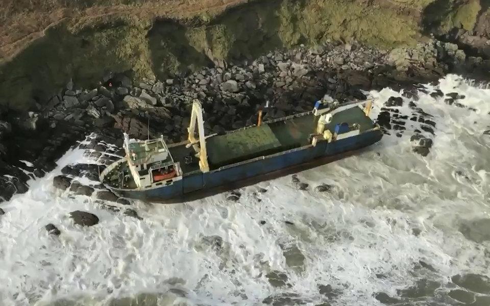 К берегам Ирландии прибило «корабль-призрак», который больше года дрейфовал вАтлантическом океане