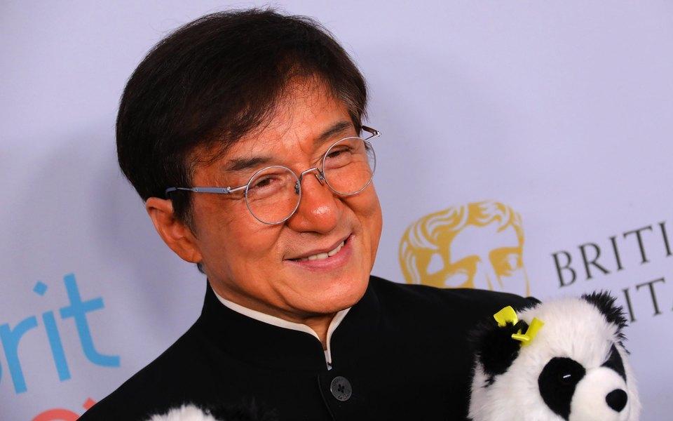 Джеки Чан пообещал миллион юаней заизобретение лекарства откоронавируса