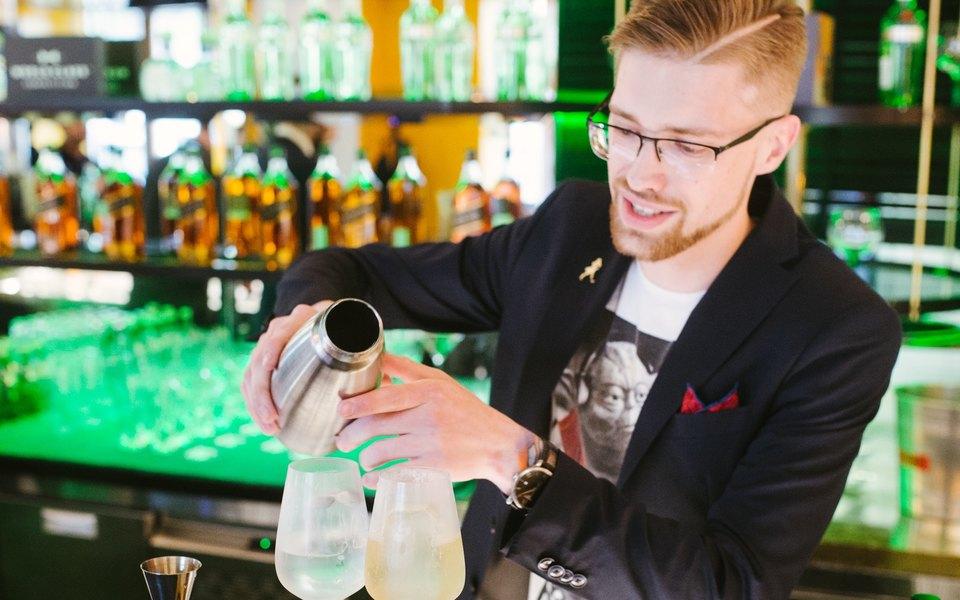 Андрей Пруцких: «Бар это нетолько напитки иатмосфера, бар — это гораздо большее»