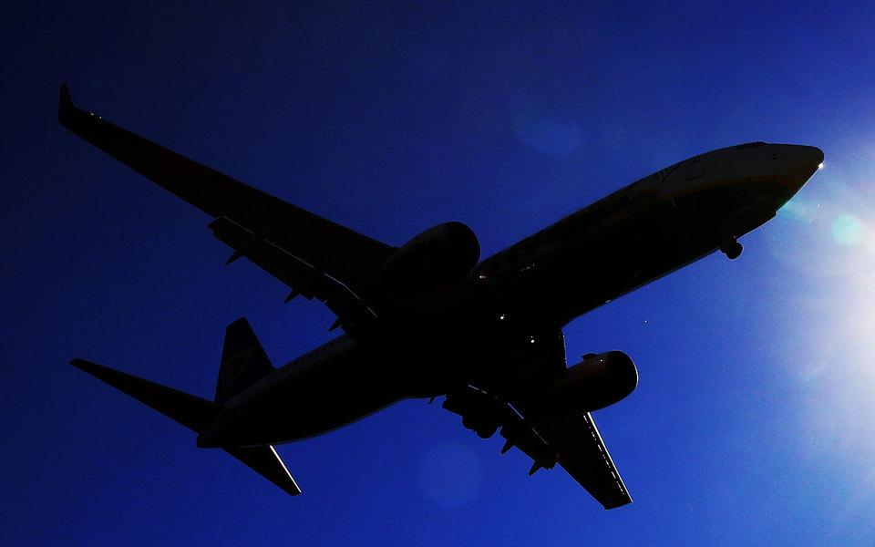 Самолет компании «ЮТэйр» совершил экстренную посадку во Внуково из-за проблем сшасси
