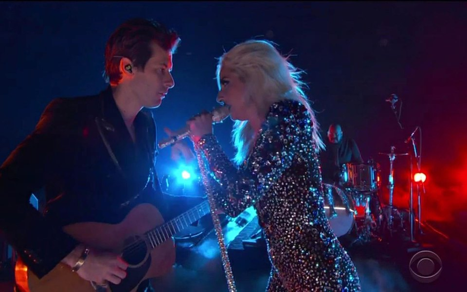 Дональд Гловер, Леди Гага, Дрейк иКарди Би: вЛос-Анджелесе объявили лауреатов «Грэмми»