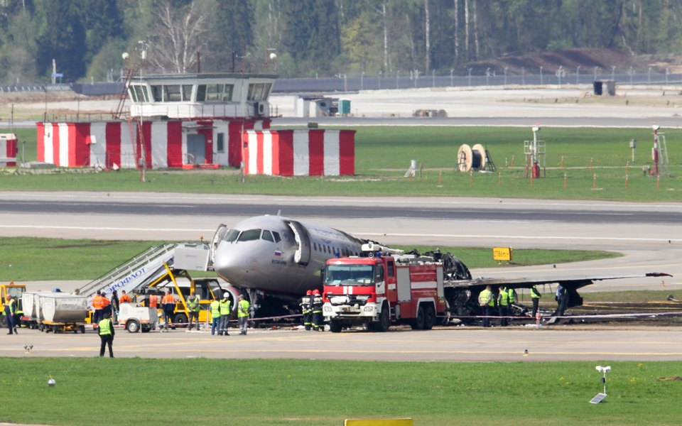 МВД уволило сотрудника, который снял видео крушения Superjet вШереметьево иразослал его друзьям