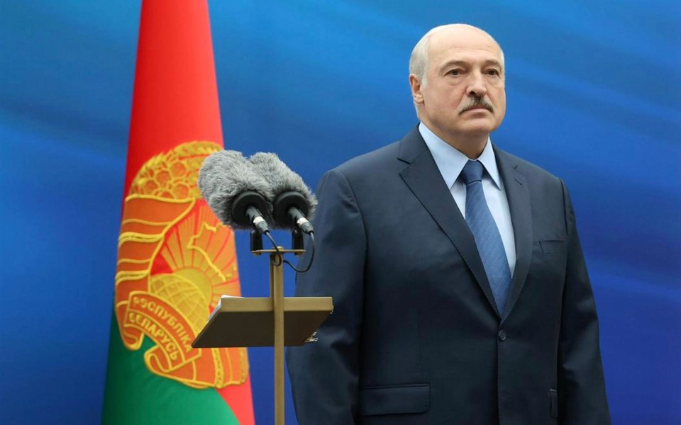 Александр Лукашенко подписал декрет опередаче власти вслучае его насильственной смерти