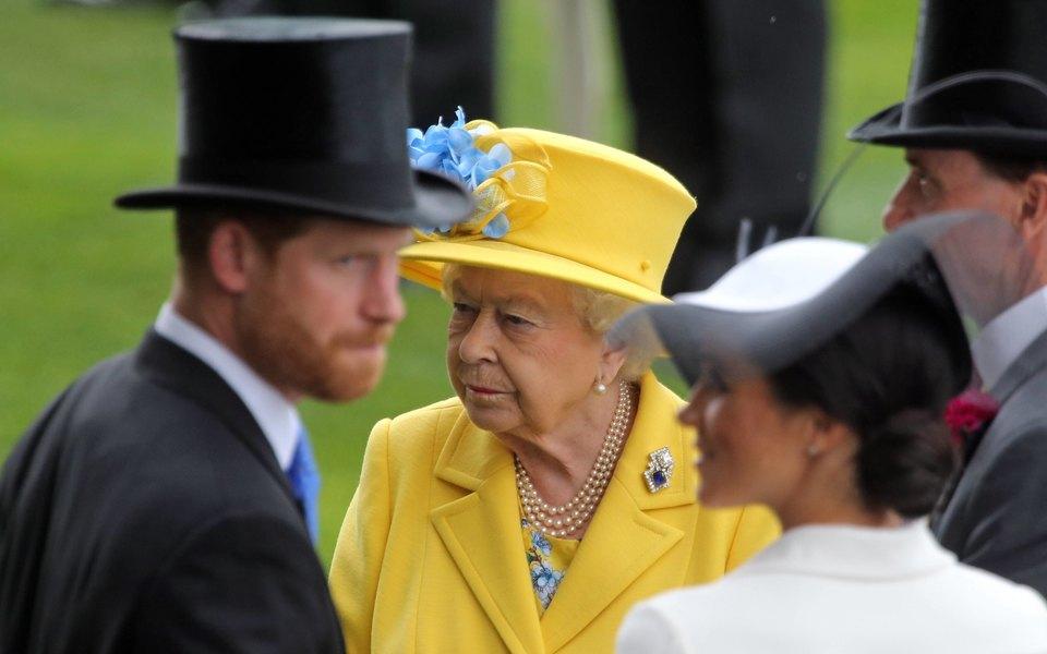 Принц Гарри иМеган Маркл заявили, что королева неимеет права лишить их бренда Sussex Royal