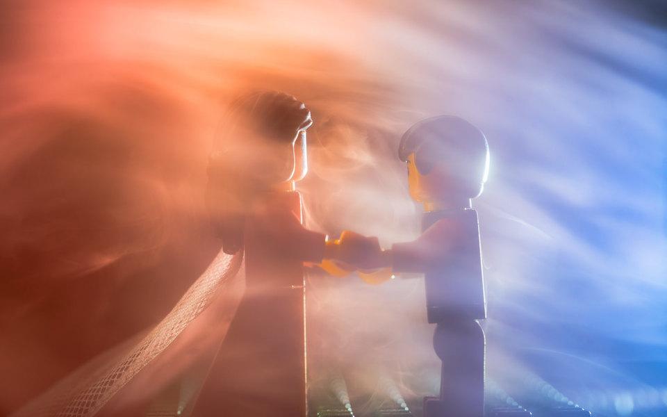 Свадебный фотограф провел фотосессию дляLego-молодоженов (пока настоящие сидят накарантине). Посмотрите, как это красиво!