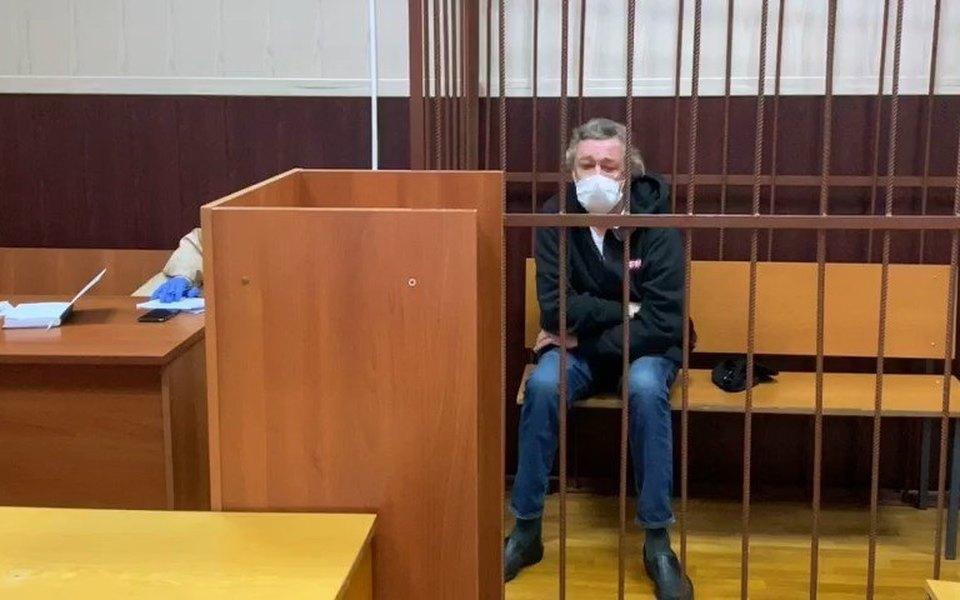 Михаил Ефремов отказался признавать вину в ДТП — адвокат