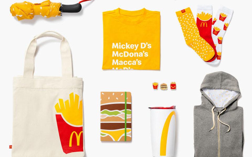 Сумка-бургер иноски-картошка фри: McDonald's выпустили коллекцию одежды иаксессуаров