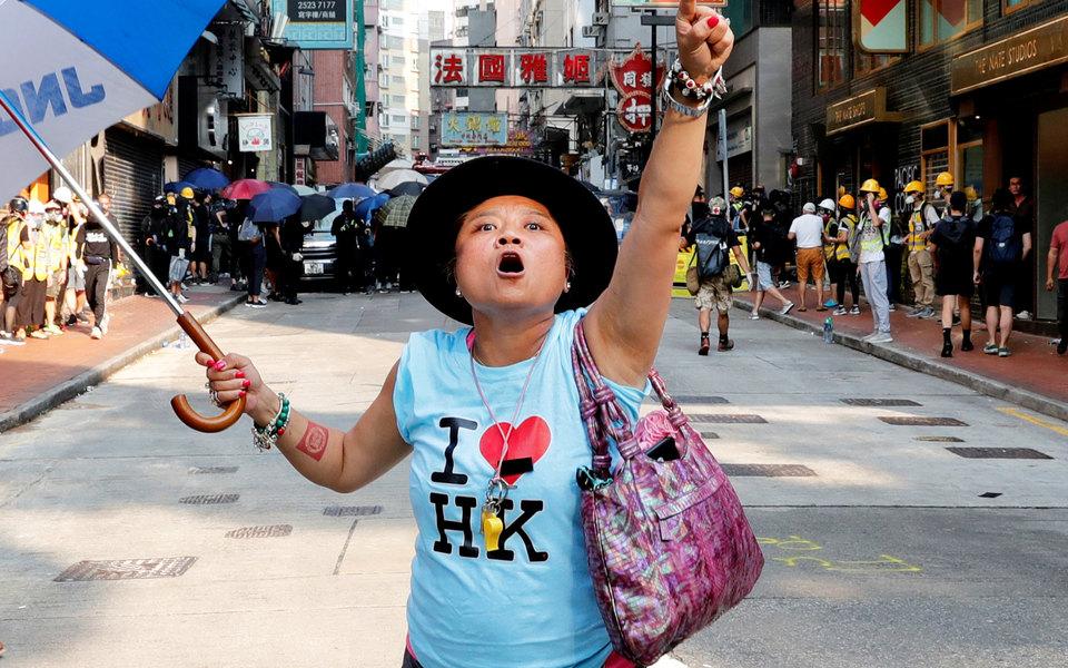 Протестующий на митинге в Гонконге
