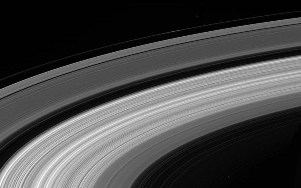 Зонд Cassini сделал последние снимки исгорел ватмосфере Сатурна
