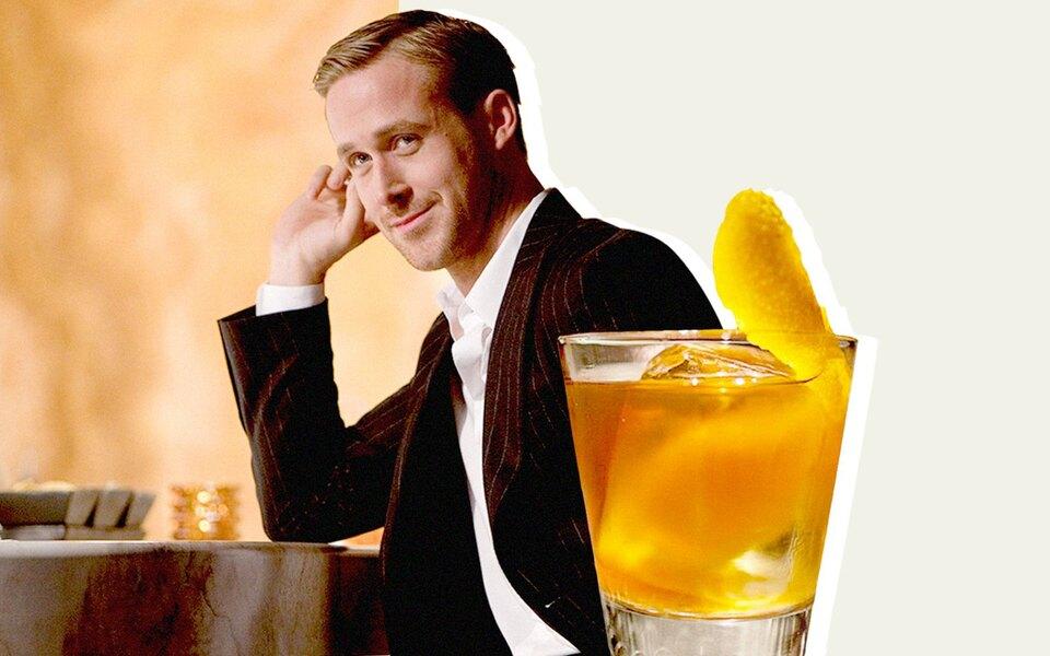 Как Райан Гослинг приготовил идеальный коктейль Old Fashioned вфильме «Эта дурацкая любовь»