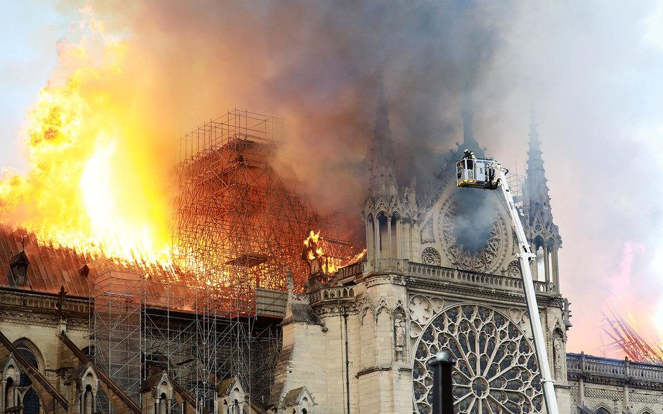 Возможно, собор Парижской Богоматери спасти неудастся