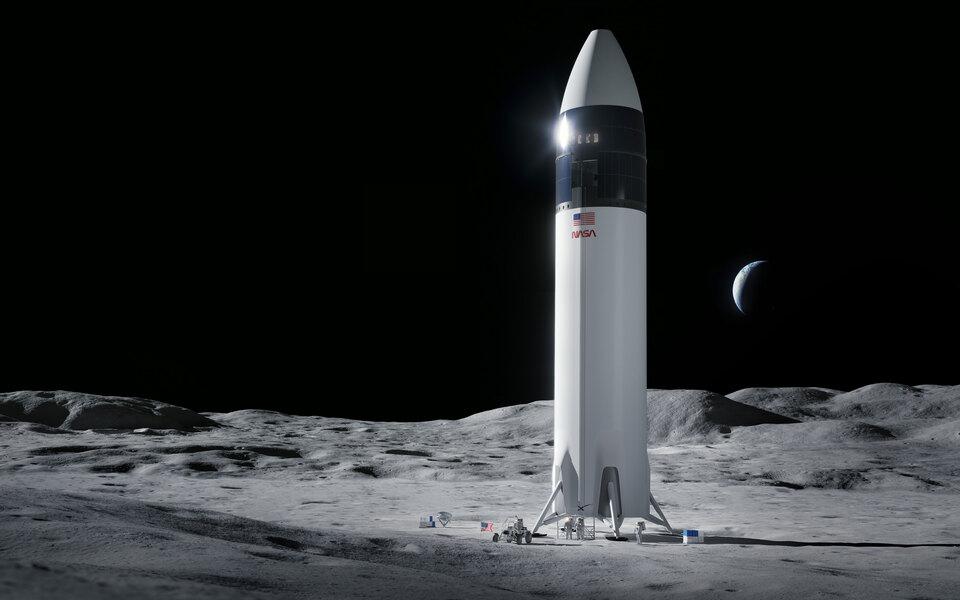 NASA приостановило работу со SpaceX из-за иска Blue Origin