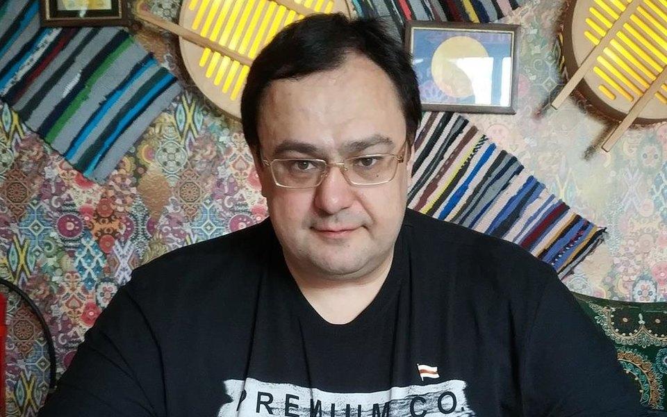 Белорусский журналист создал сеть фейковых экспертов. Он берет уних комментарии длясвоих материалов уже много лет