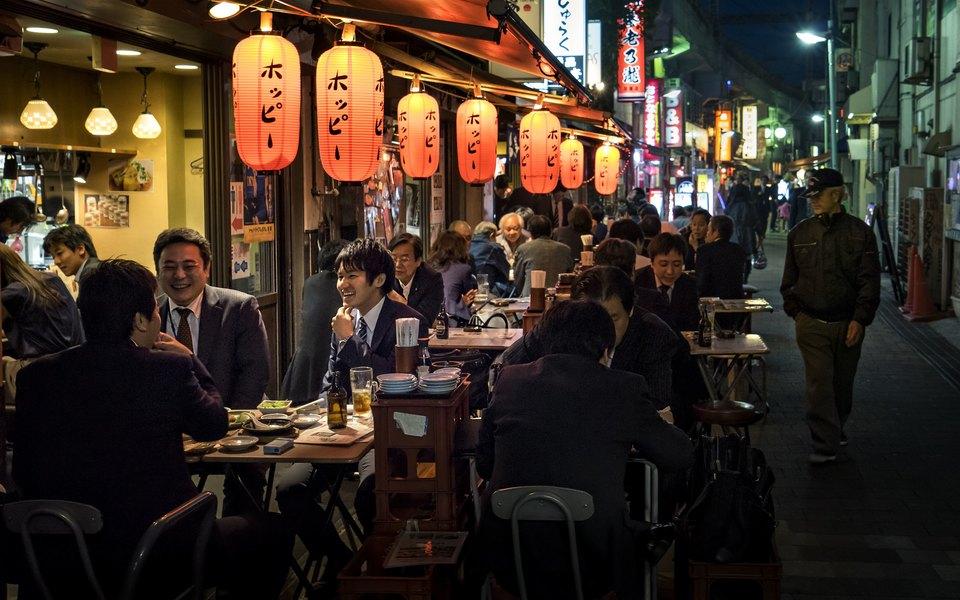 В Токио барам и ночным клубам будут платить, чтобы они не работали