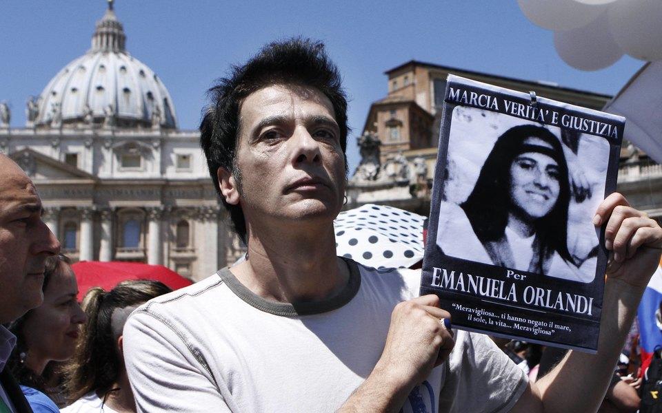 В Ватикане вскрыли могилы немецких принцесс впоисках останков пропавшей в1983 году девочки. Они оказались пусты