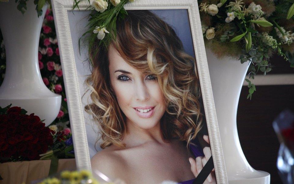Русфонду вернули 8 млн рублей, собранных налечение Жанны Фриске. Наследники певицы должны фонду еще 13 млн