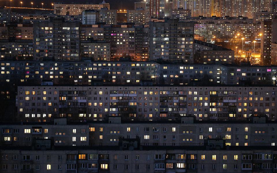 Горящие окна в домах в Невском районе Петербурга