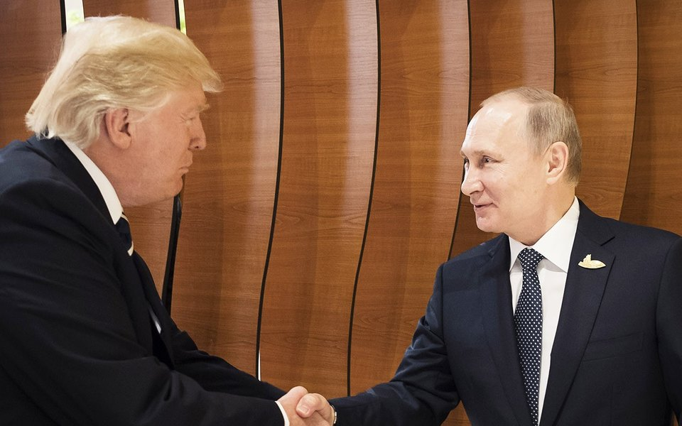 Трамп иПутин протянули друг другу руки