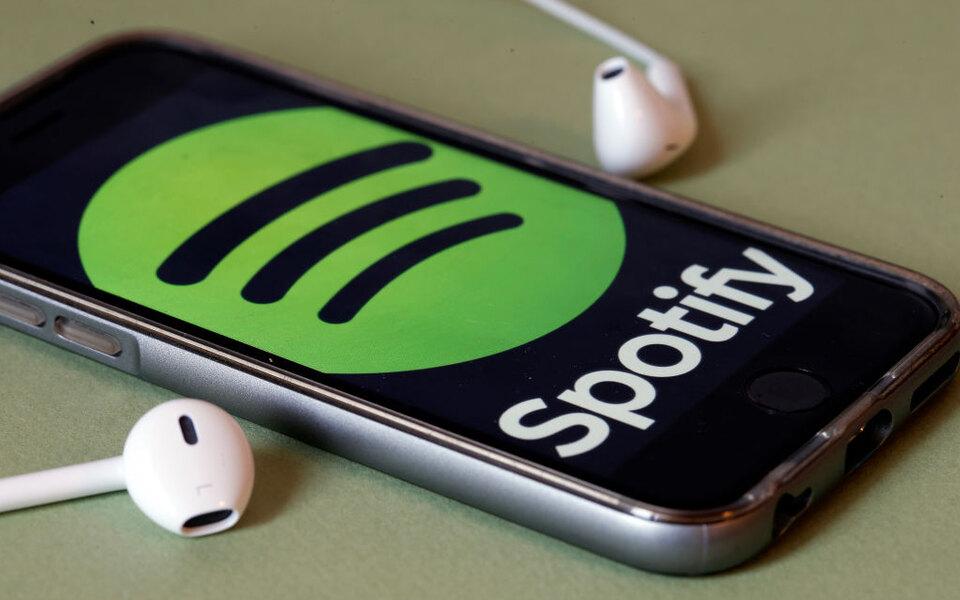 Spotify выпустила плеер дляавтомобилей сголосовым управлением. Первые партии раздаст бесплатно