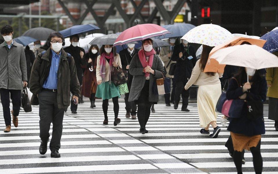 В Японии жителям выдадут по 100 тысяч иен в качестве поддержки